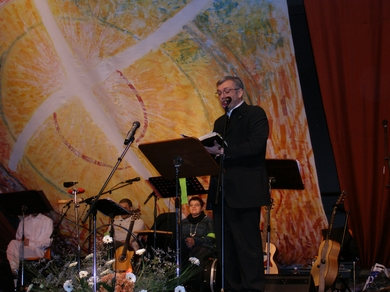 Protestant Evangelical Pastor, Carlos Payan, speaking at the event