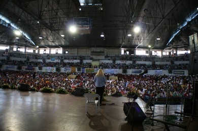 10,000 charismatics came to listen to Vassula